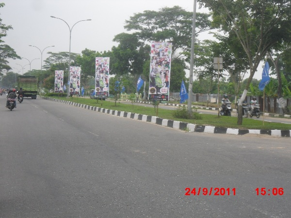 Reklame Vertical Banner Yamaha - Zealot Advertising Pekanbaru