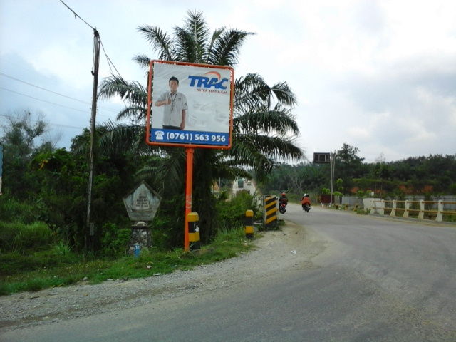 Reklame Mini Billboard TRAC - Zealot Advertising Pekanbaru