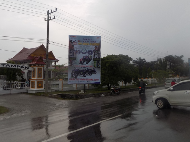 Reklame Baliho Yamaha MotoGP Winner - Zealot Advertising Pekanbaru